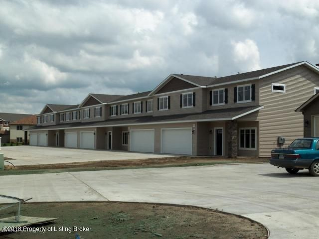 1231 15th St, Dickinson, ND 58601