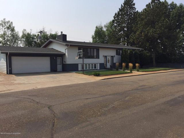 1459 2nd St S, Dickinson, ND 58601