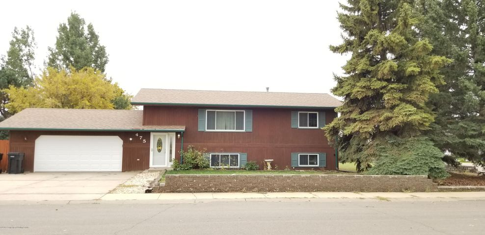 475 Ruby St, Dickinson, ND 58601