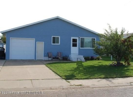 643 1st Avenue SE, Dickinson, ND 58601