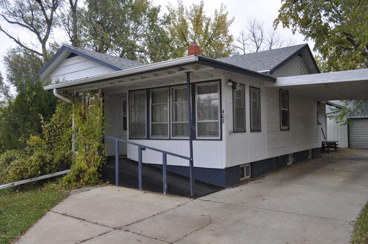 408 3rd Avenue E, Lemmon, SD 57638