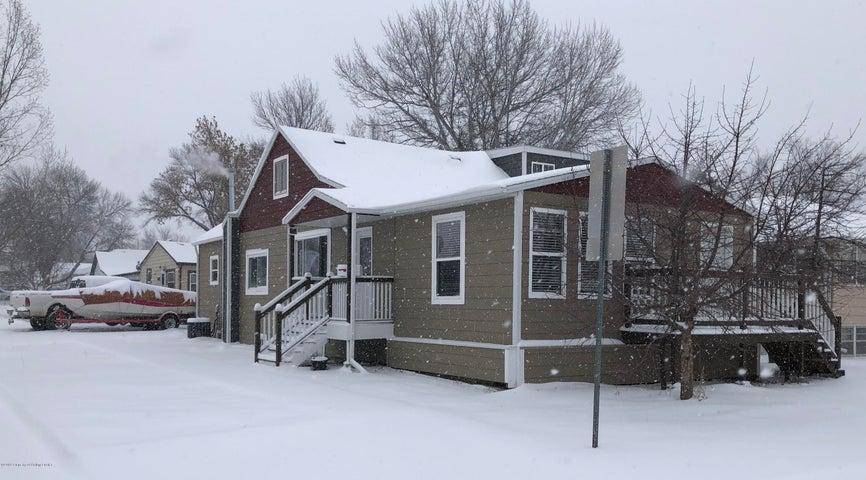 346 5th Street W, Dickinson, ND 58601