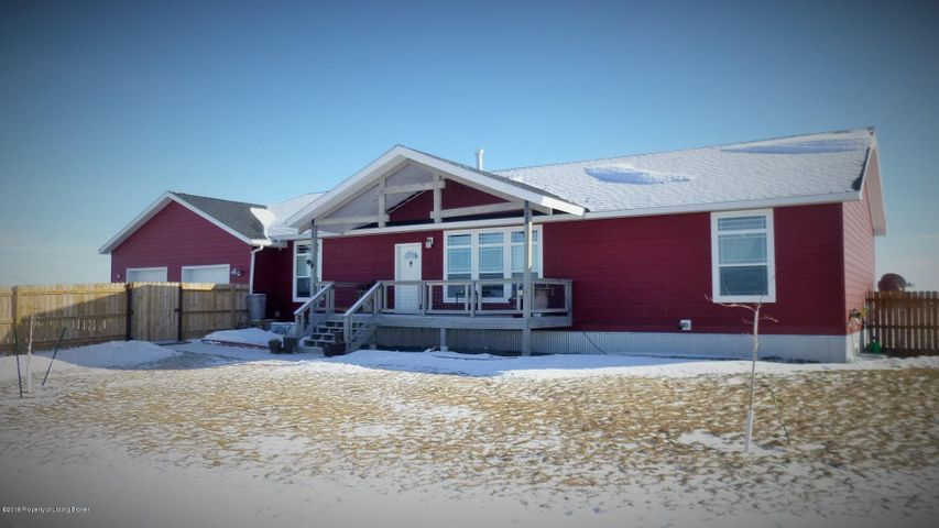 10724 30th Street SW, Dickinson, ND 58601
