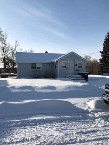 234 3rd Avenue SW, Dickinson, ND 58601