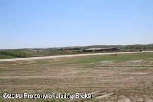 L3B2 Commons Pkwy, Watford City, ND 58854