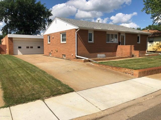 1454 2nd Street S, Dickinson, ND 58601