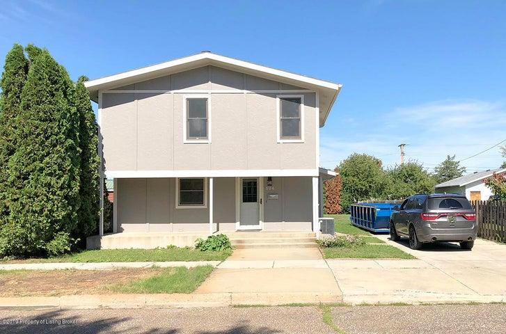506 1st Street SW, Dickinson, ND 58601