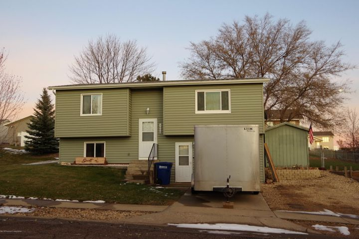1608 3rd Avenue E, Dickinson, ND 58601