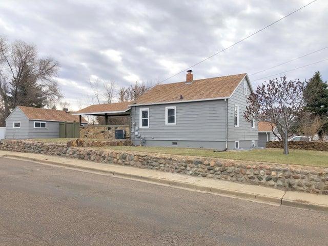 124 B Avenue E, Dickinson, ND 58601