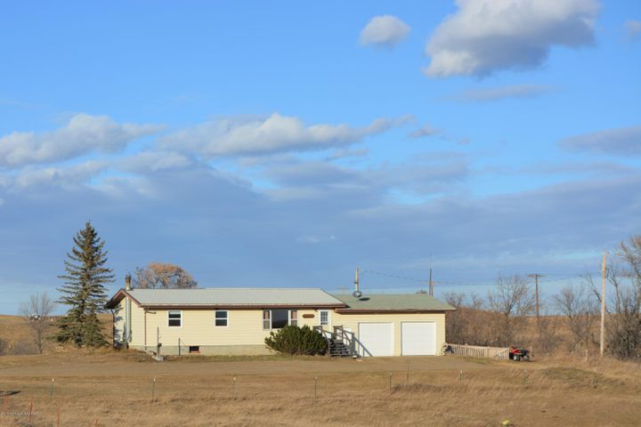 130 86th Avenue, Halliday, ND 58636