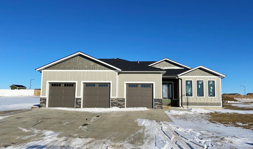 2202 Wahl Street, Dickinson, ND 58601