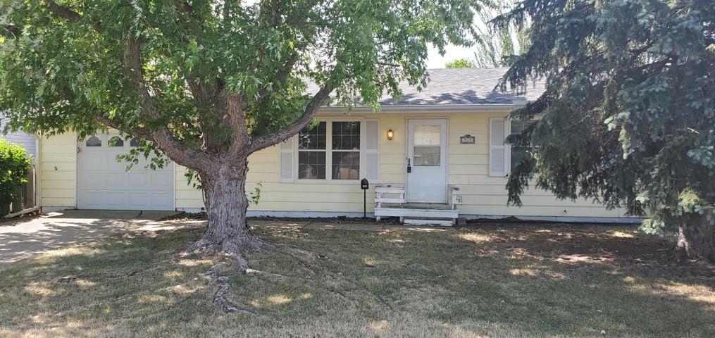 769 22nd Street W, Dickinson, ND 58601