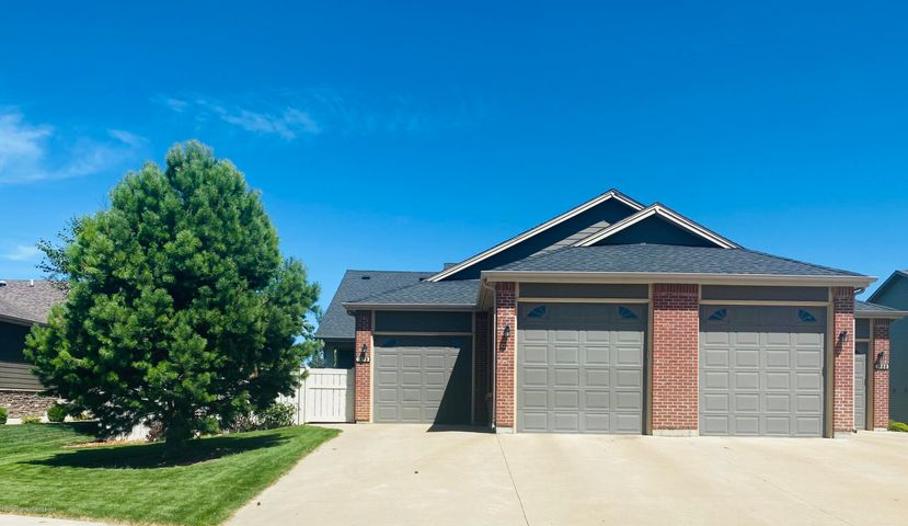 1898 8th Street West, Dickinson, ND 58620