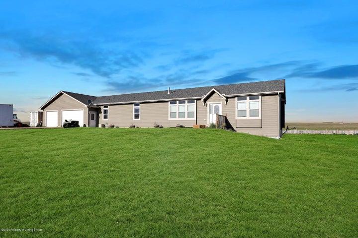 5810 132nd Drive NW, Williston, ND 58801