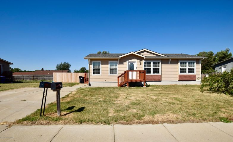 622 5th Ave. SE, Dickinson, ND 58601