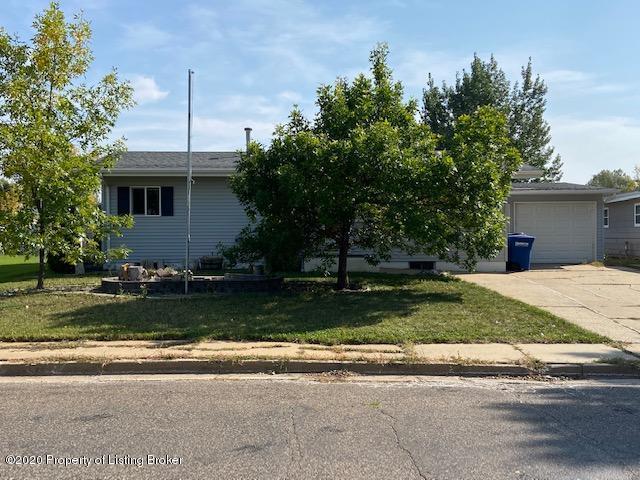 884 Box Avenue, Dickinson, ND 58601
