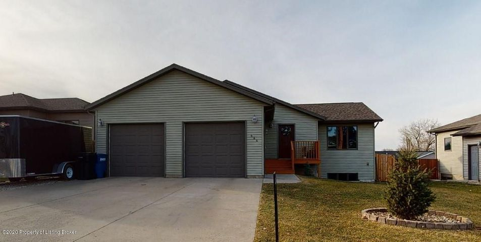 544 2nd Avenue SW, Dickinson, ND 58601
