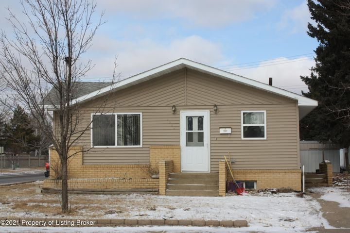 1568 2nd Street W, Dickinson, ND 58601