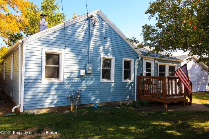 204 2nd Street NE, Belfield, ND 58622
