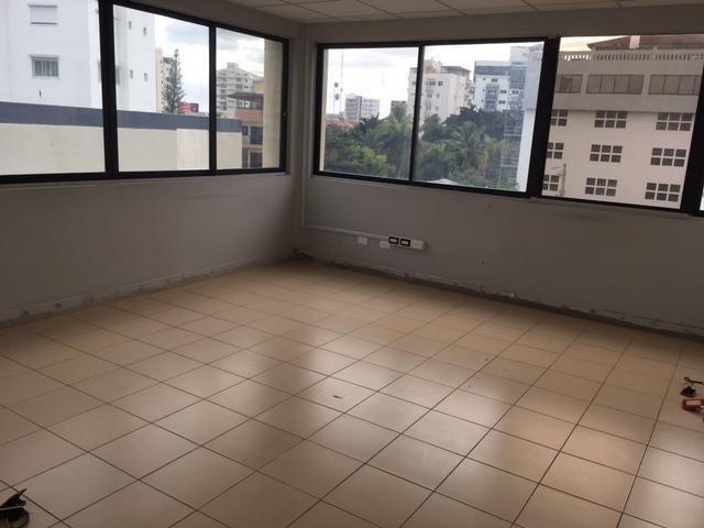 Local Comercial Santo Domingo>Distrito Nacional>Naco - Alquiler:3.600 Dolares - codigo: 17-242
