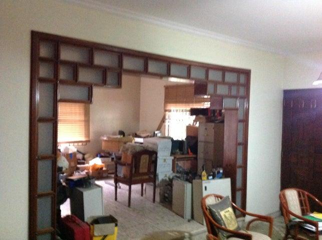 Casa Distrito Nacional>Santo Domingo>Los Prados - Venta:515.000 Dolares - codigo: 17-816