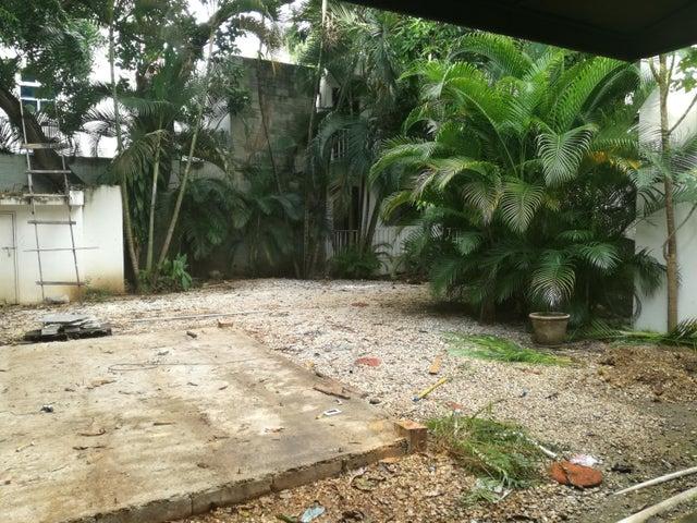 Casa Distrito Nacional>Santo Domingo>Evaristo Morales - Venta:985.000 Dolares - codigo: 17-1180