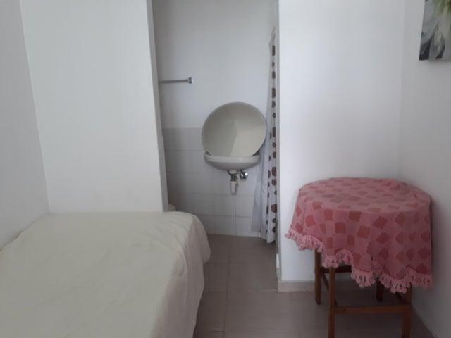 Apartamento Distrito Nacional>Distrito Nacional>Esperilla - Venta:190.000 Dolares - codigo: 17-1321