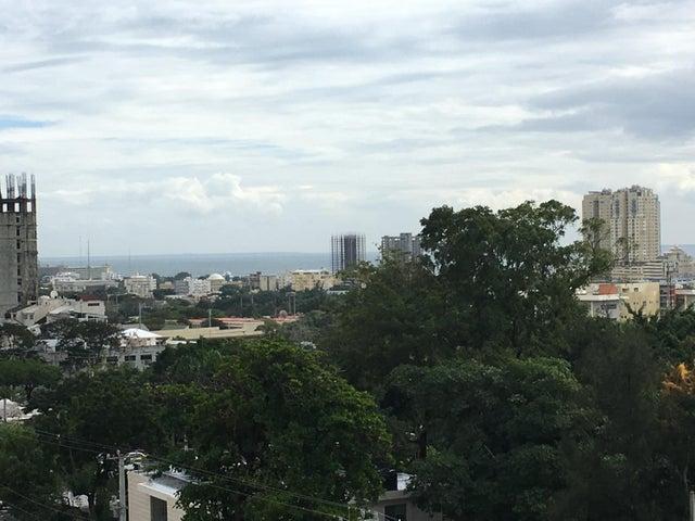 Apartamento Santo Domingo>Distrito Nacional>La Esperilla - Alquiler:7.800 Dolares - codigo: 18-52