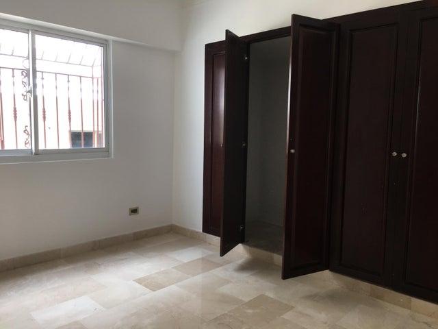Apartamento Santo Domingo>Distrito Nacional>Serralles - Venta:325.000 Dolares - codigo: 18-163