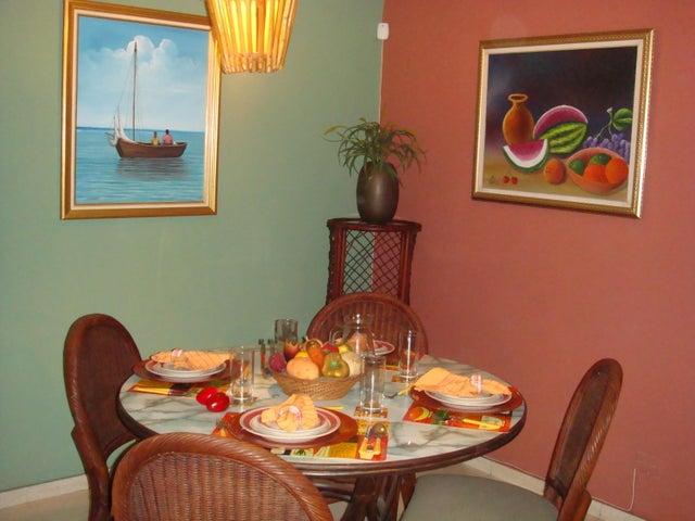 Apartamento Distrito Nacional>Santo Domingo>Esperilla - Alquiler:650 Dolares - codigo: 18-218