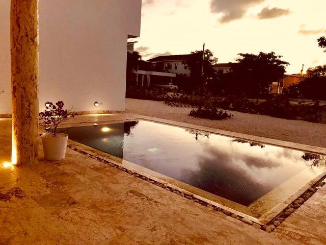 Casa La Altagracia>San Rafael del Yuma>Bayahibe - Venta:445.000 Dolares - codigo: 18-240