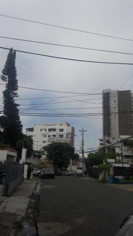 Terreno Distrito Nacional>Santo Domingo>Serralles - Venta:680.412 Dolares - codigo: 18-227