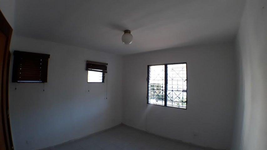 Apartamento Santo Domingo>Distrito Nacional>Evaristo Morales - Alquiler:600 Dolares - codigo: 18-308