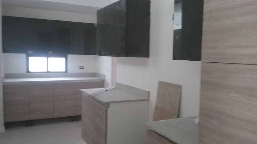 Apartamento Distrito Nacional>Santo Domingo>Piantini - Venta:330.000 Dolares - codigo: 18-311