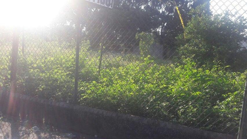 Terreno Santo Domingo>Santo Domingo Oeste>Libertador - Venta:436.000 Dolares - codigo: 18-333