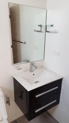 Apartamento Distrito Nacional>Santo Domingo>Esperilla - Alquiler:1.400 Dolares - codigo: 18-352