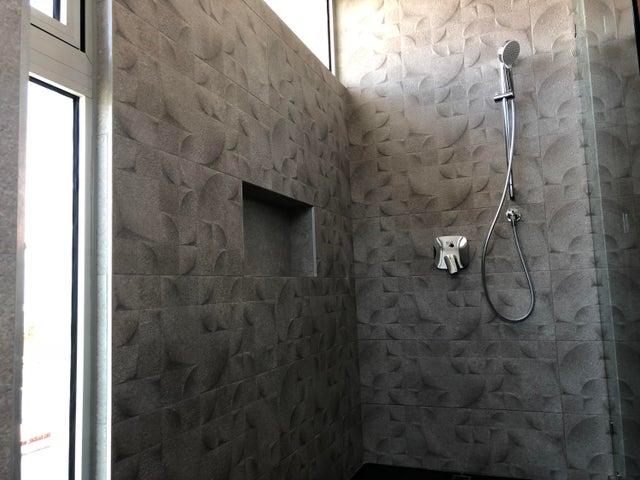 Apartamento Distrito Nacional>Santo Domingo>Serralles - Venta:380.000 Dolares - codigo: 18-373
