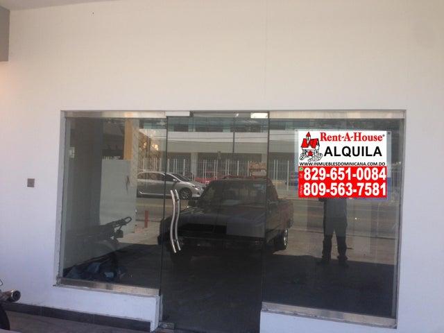 Local Comercial Distrito Nacional>Santo Domingo>Naco - Alquiler:2.400 Dolares - codigo: 18-432