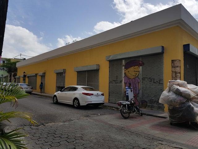 Local Comercial Distrito Nacional>Santo Domingo Dtto Nacional>Ciudad Colonial - Alquiler:2.281 Dolares - codigo: 18-435