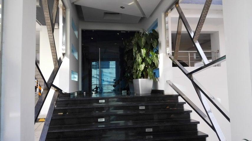 Apartamento Santo Domingo>Santo Domingo Dtto Nacional>Bella Vista - Alquiler:1.250 Dolares - codigo: 18-446