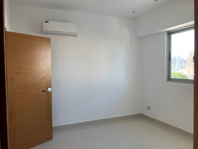 Apartamento Santo Domingo>Distrito Nacional>Piantini - Alquiler:1.200 Dolares - codigo: 18-461
