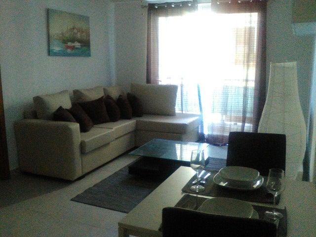 Apartamento Distrito Nacional>Santo Domingo Dtto Nacional>Serralles - Alquiler:950 Dolares - codigo: 18-469