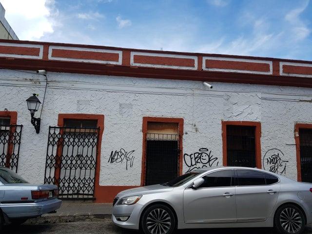 Casa Distrito Nacional>Santo Domingo Dtto Nacional>Ciudad Colonial - Alquiler:2.500 Dolares - codigo: 18-483