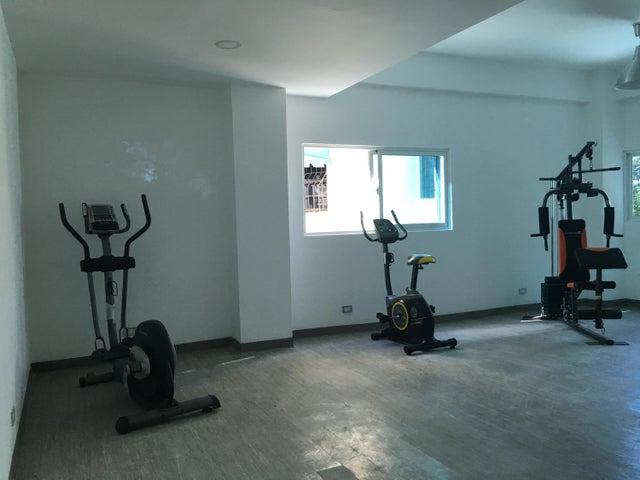 Apartamento Santo Domingo>Distrito Nacional>Serralles - Alquiler:1.900 Dolares - codigo: 18-487