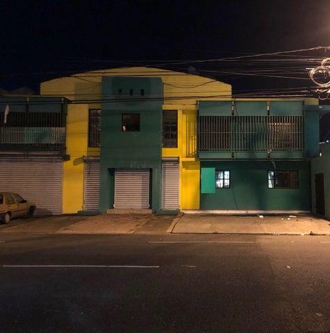 Local Comercial Santo Domingo>Distrito Nacional>Naco - Alquiler:6.500 Dolares - codigo: 18-555