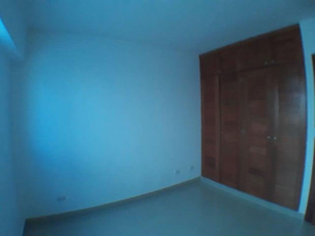 Apartamento Santo Domingo>Distrito Nacional>Renacimiento - Alquiler:1.000 Dolares - codigo: 18-573