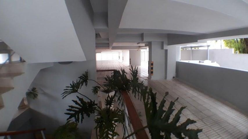 Apartamento Distrito Nacional>Santo Domingo Dtto Nacional>Naco - Venta:142.000 Dolares - codigo: 18-587
