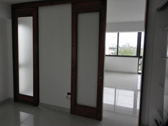 Apartamento Santo Domingo>Santo Domingo Dtto Nacional>Evaristo Morales - Alquiler:900 Dolares - codigo: 18-598