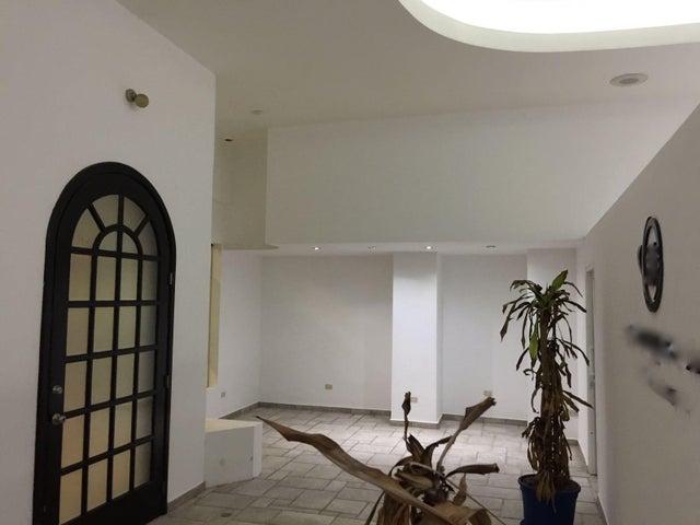 Local Comercial Distrito Nacional>Santo Domingo Dtto Nacional>Piantini - Alquiler:1.680 Dolares - codigo: 18-600