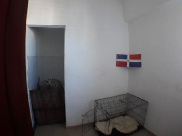 Apartamento Distrito Nacional>Distrito Nacional>Renacimiento - Venta:260.000 Dolares - codigo: 18-611